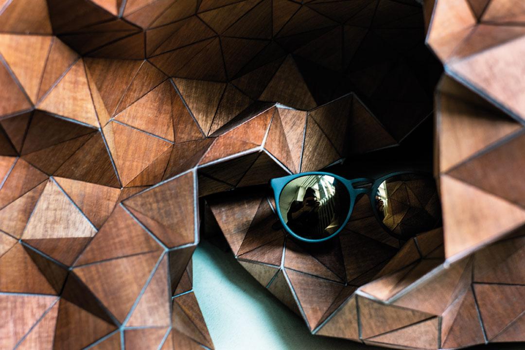 lunettes-kollektion-still-jenesaisquoi-smokyblack-gold-sun-web