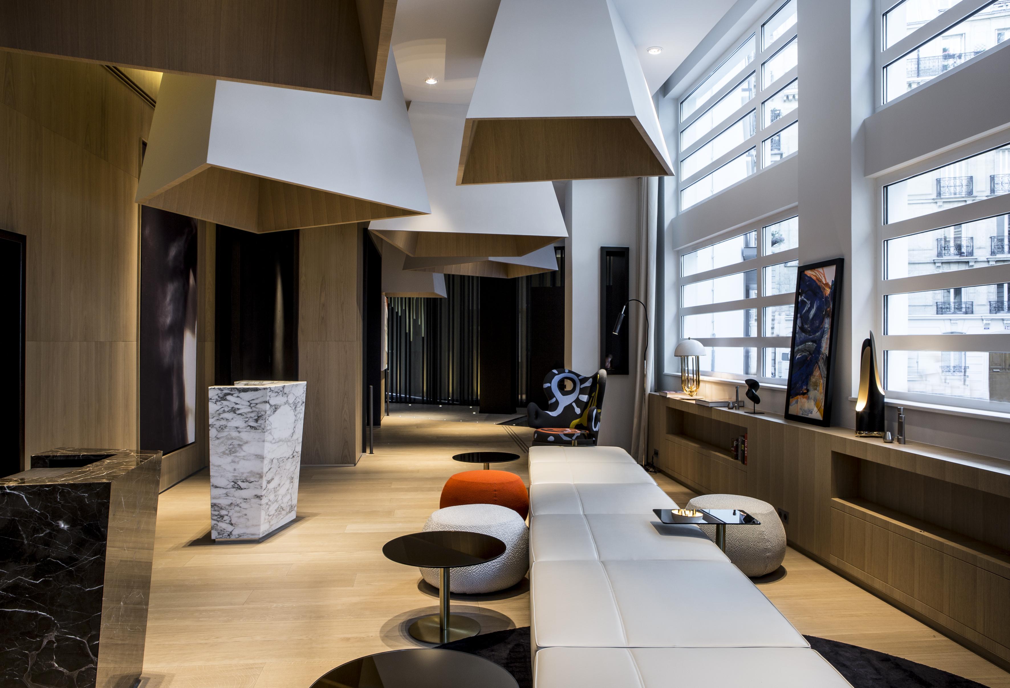 h tel le cinq codet mllemag. Black Bedroom Furniture Sets. Home Design Ideas